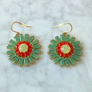 🌼 Carolee flower earrings